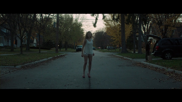 it-follows-blu-ray-01[1]